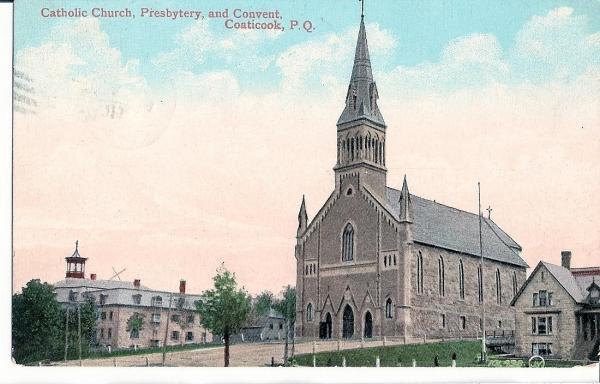 Église St-Edmond  construite en 1868, agrandie en 1871 Côté droit, on aperçoit le vieux presbytère