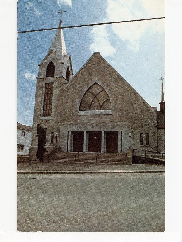 Église St-Jean l'Évangéliste bénie le 8 juillet 1951 par Mgr Desranleau