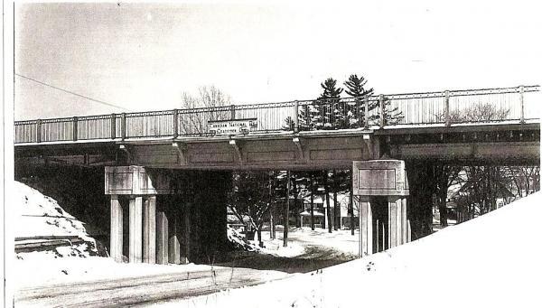 Pont de la rue Main Ouest