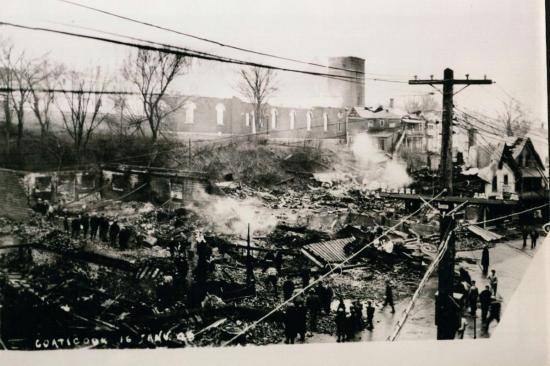 La rue Child et l'église St-Jean l'Évangéliste dévastées en janvier 1949