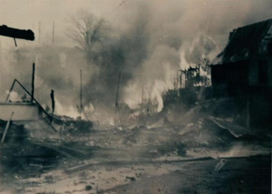 Incendie sur la rue Child en janvier 1949, l'hôtel Child est en flammes
