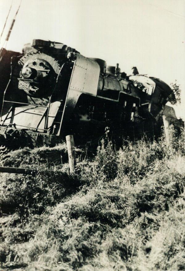 Déraillement de train en septembre 1942 vu de la rue Main Est.