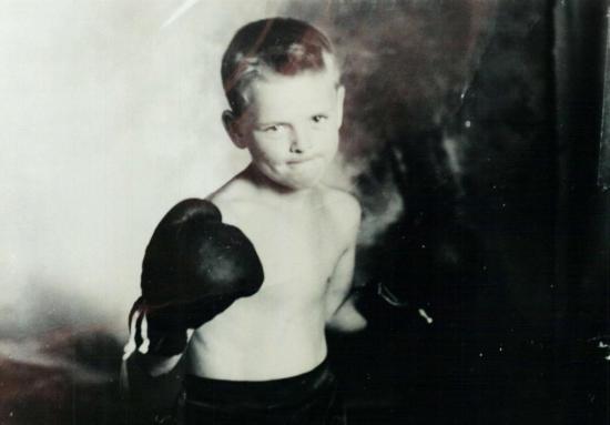 Ce petit boxeur est Pierre Garceau