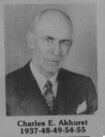 Charles E. Akurst fut maire de Coaticook en 1937/ 1948-1949 / 1954-1955