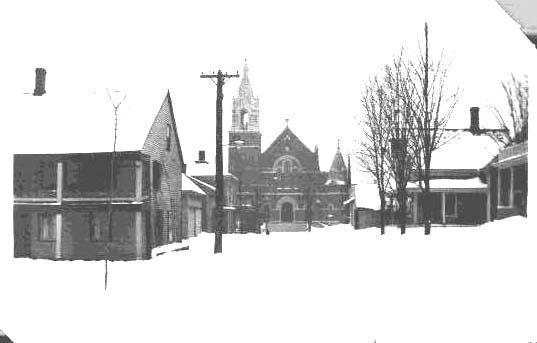 Autrefois rue Elm, (vers 1889), elle devint en 1952 la rue Durand puis la rue Martin en 1957