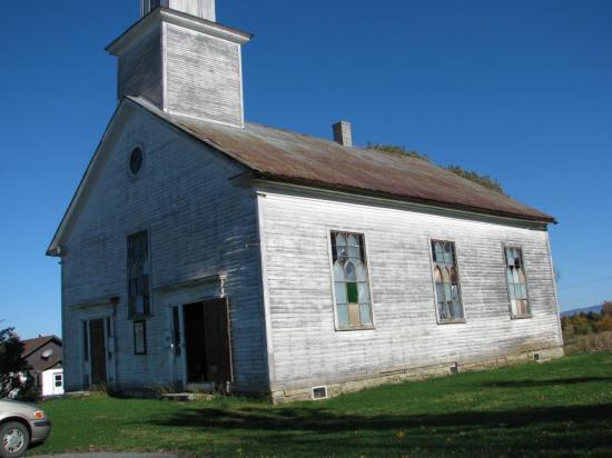 L'église Baptiste de Barnston. Construite en 1837