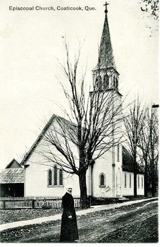 L'église épiscopal était située sur la rue Lark, maintenant la rue Norton. Elle fut construite le 15 juin 1862. L'accroissement de la population anglicane obligera les membres à agrandir deux fois cette première église (en 1874 et en 1885)