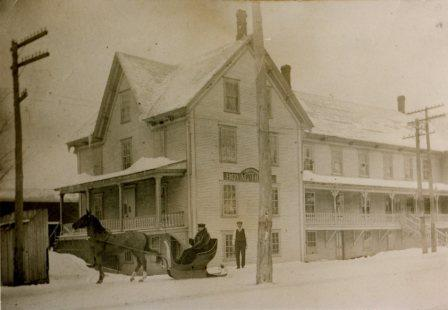 L'hôtel Royal était situé sur la rue St-Jean-Baptiste.