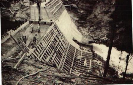 Construction du barrage de l'usine Belding Corticelli en 1926-1927