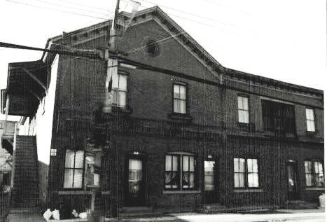 La maison se trouvait sur la rue St-Jean-Baptiste