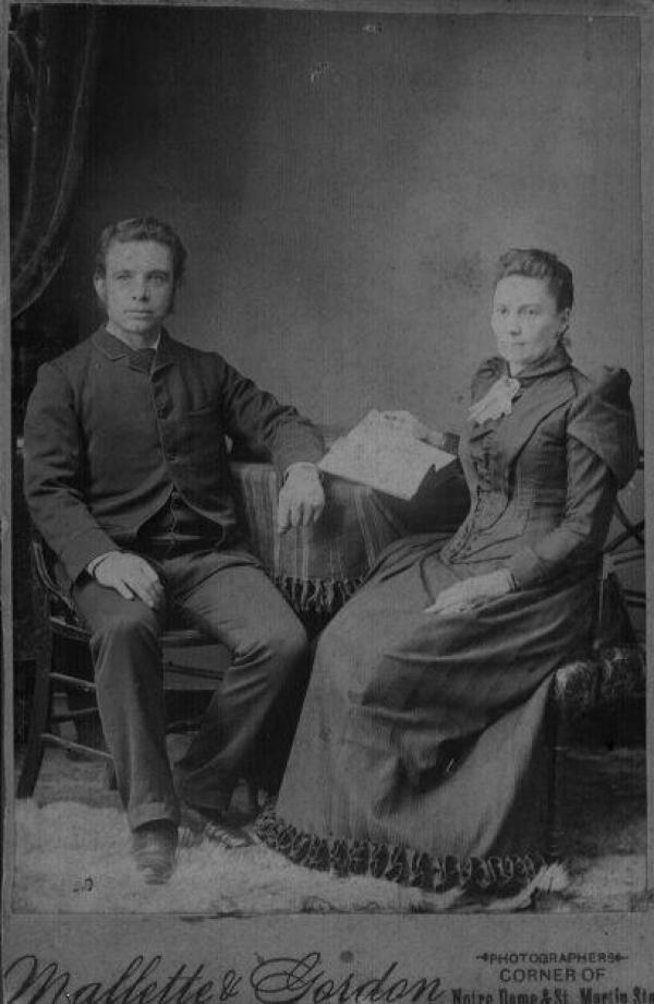 Rue nommée en l'honneur de Georges Gilmour qui arriva à Coaticook en 1879. Il fonda l'usine Gilmour, une manufacture de chaises. La rue prit le nom de Gilmour dans les années 1950.