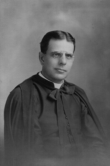 Une rue est nommée en l'honneur de l'abbé Octave Martin, fondateur de la paroisse St-Jean l'Évangéliste et il en exerça le ministère de 1913 à 1919.