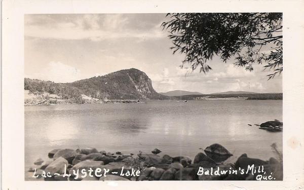 Carte postale du lac Lyster à Baldwin's Mills vue de l'extrémité du lac.